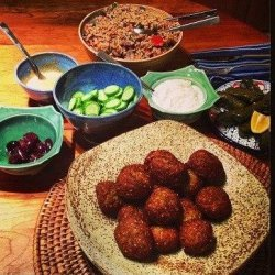 Falafel With Tahini Sauce recipe