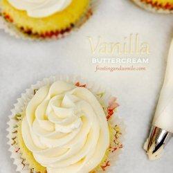 Easy Vanilla Buttercream Frosting