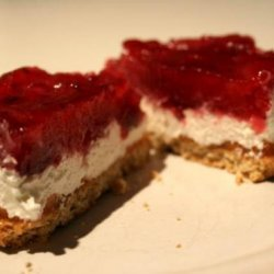 Strawberry-Topped Cheesecake Extraordinaire!