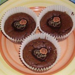 Gluten-Free, Low-Carb Chocolate Amaretto Cream Cheese Cupcakes