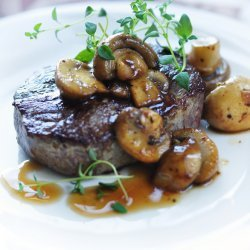 Grilled Steak in Wine Sauce