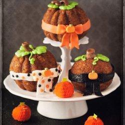 Pumpkin Spice Cake (Or Cupcakes)