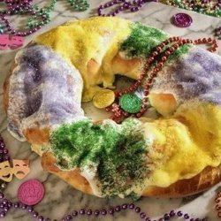 King Cake With Cream Cheese and Apple Filling