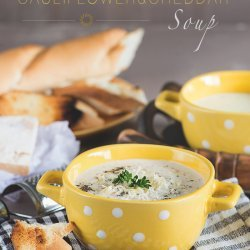 Curried Cauliflower-Cheese Soup