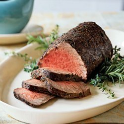 Thyme and Spice Rubbed Roast Beef Tenderloin Au Jus