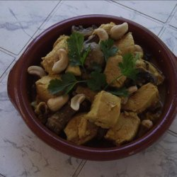 Chicken and Mushrooms in a Nutty Sauce