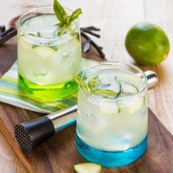 Basil Vodka Gimlets