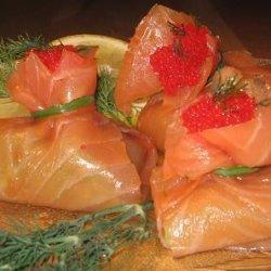Smoked Salmon and Guacamole Bundles