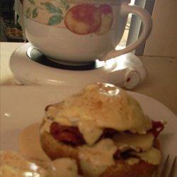 Eggs Benedict With Vegan Hollandaise Sauce