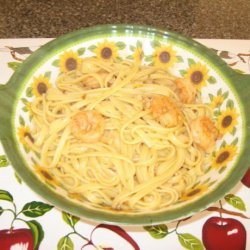 Linguine With Shrimps and Clam Sauce