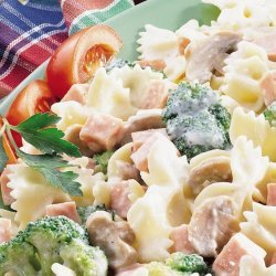 Tomato and Broccoli Penne Pasta