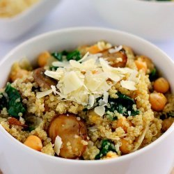 Quinoa with Mushrooms and Spinach