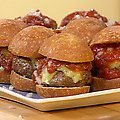 Texas Hold-Ums Mini Chipotle Beef Burgers with Warm Fire Roasted Garlic Ketchup (Rachael Ray) recipe