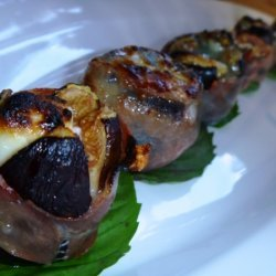 Roasted Figs With Prosciutto, Goat Cheese, Blackbe... recipe