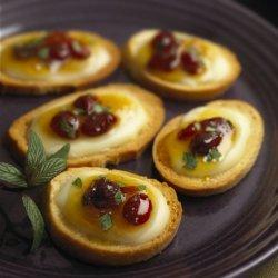 Creme De Brie Mango-cranberry Crostini