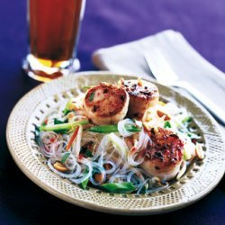 Seared Scallops With Asian Noodle Salad