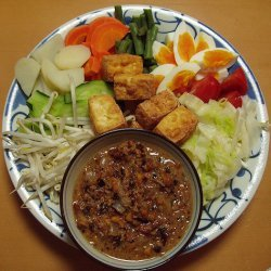 Indonesian Salad With Peanut Sauce recipe