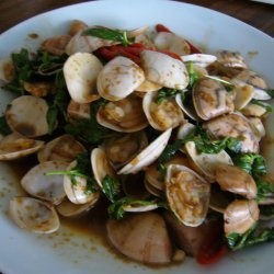 Chinese Clams Stir Fry With Basil