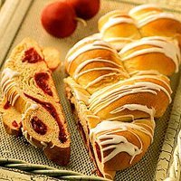 Spiced Apple Braided Bread