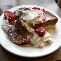 Strawberry French Toast With Maple Wallnut Syurp recipe