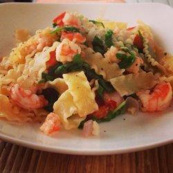 Pasta with Shrimp, Tomato, and Arugula