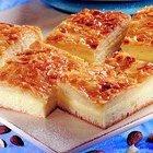 Pudding Dessert Squares - Bienenstich