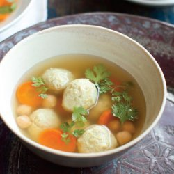 Persian  Matzoh Balls  with Chickpeas and Chicken (Gondi)
