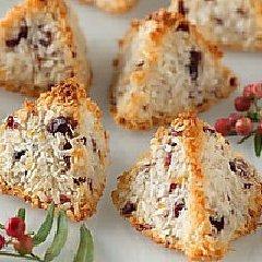 Coconut-cranberry Macaroon