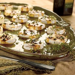 Honey-Peppered Goat Cheese with Fig Balsamic Drizzle recipe
