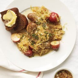 Slow-Cooker Sausages With Sauerkraut and Potatoes (4 - 6 qt)