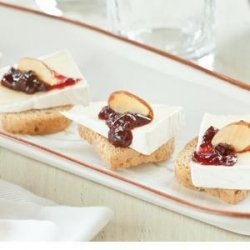 Brie and Sour Cherry Toast Bites recipe