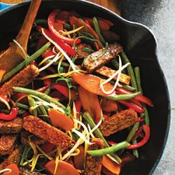 Tempeh and Green Bean Stir-Fry with Peanut Sauce