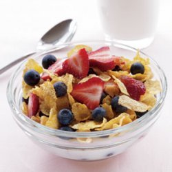 Cornflakes, Low-Fat Milk & Berries