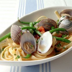 Fettuccine with Clams, Haricots Verts, and Parsley