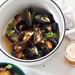 Mussels in Smoky Poblano-Cilantro Broth recipe