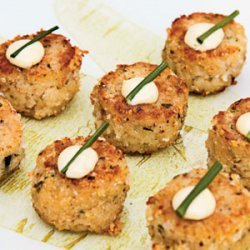 Maine Crab Cakes with Lime Aioli recipe