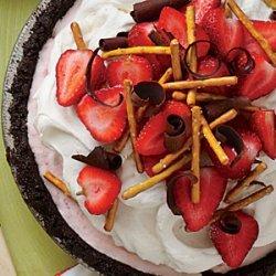 Strawberry-Pretzel Ice-Cream Pie