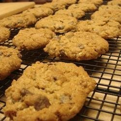 Oatmeal Chocolate Chip Cookies I