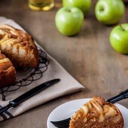 Spiced-Up Apple Cake