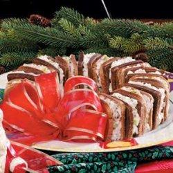 Holiday Sandwich Wreath recipe