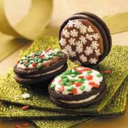 Holiday Sandwich Cookies