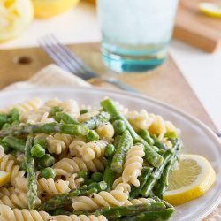 Pasta with Asparagus-Lemon Sauce