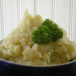 Roasted Garlic Mashed Potatoes and Cauliflower
