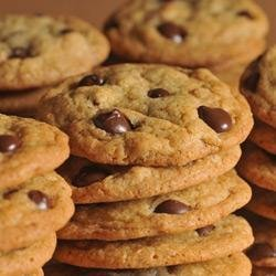 Original NESTLE(R) TOLL HOUSE(R) Dark Chocolate Chip Cookies