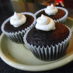 Mimi's Whoopie Pie Filled Chocolate Cupcakes