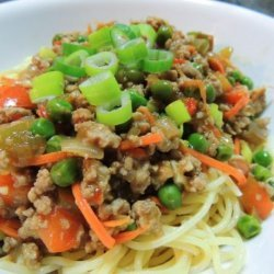 Shanghai Style Noodles With Spicy Meat Sauce
