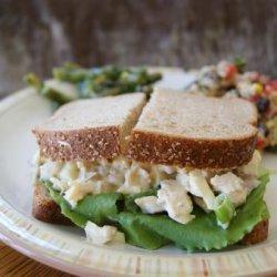 Crunchy Chicken Apple Salad Sandwiches