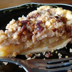 Pennsylvania Dutch Apple Crumb Pie