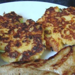 Easy Cheddar Potato Cakes (Made With Instant Potatoes)